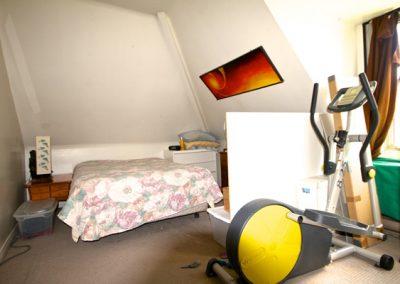 300-05 bedroom