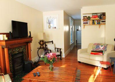 298.5 A livingroom