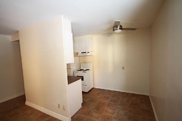 383 Kitchen